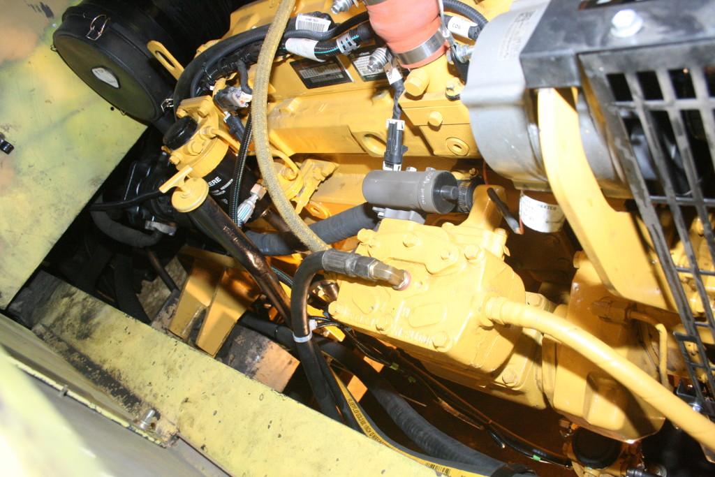 John Deere 6068HF285 Side View
