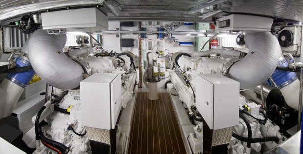 30-70FB_engine-room-MTU-engines